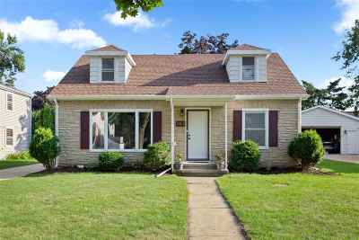 Appleton Single Family Home Active-No Offer: 501 E Frances
