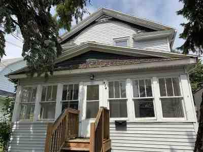 Oshkosh Single Family Home Active-No Offer: 716 Merritt