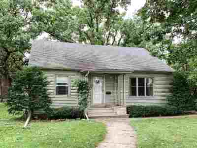 Oshkosh Single Family Home Active-No Offer: 707 W 4th