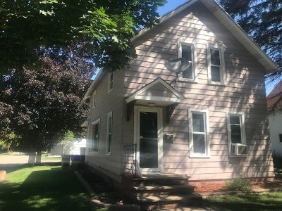 Kaukauna Single Family Home Active-No Offer: 130 W 14th
