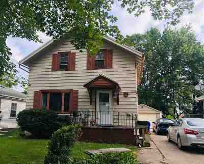 Appleton WI Single Family Home Active-No Offer: $134,900