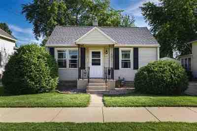 Oshkosh Single Family Home Active-No Offer: 1043 W 10th