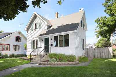 Kaukauna Single Family Home Active-No Offer: 312 W 6th