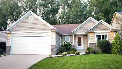 Grand Chute WI Single Family Home Active-No Offer: $275,000