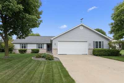 Kimberly Single Family Home Active-No Offer: 634 Applewood