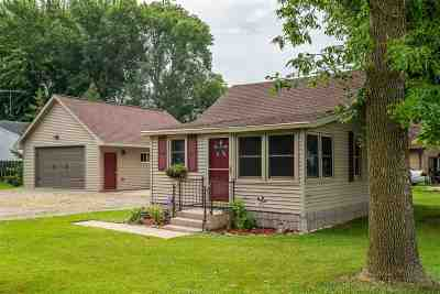 Winneconne Single Family Home Active-Offer No Bump: 643 Prospect