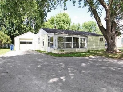 Menasha Single Family Home Active-No Offer: 1624 Plank