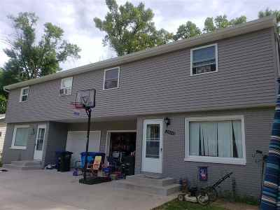 Menasha Multi Family Home Active-Offer No Bump: 2422 Southwood