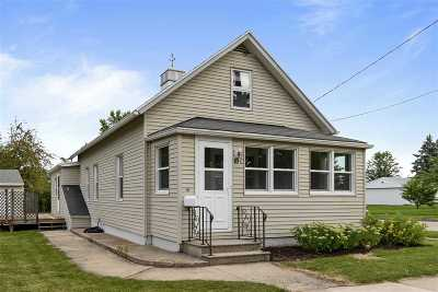 Kaukauna Single Family Home Active-No Offer: 635 Lincoln