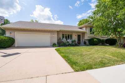 Oshkosh Single Family Home Active-No Offer: 325 Windingbrook