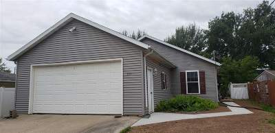 Little Chute Single Family Home Active-No Offer: 321 Buchanan