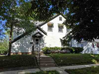 Kaukauna Single Family Home Active-No Offer: 114 W 5th