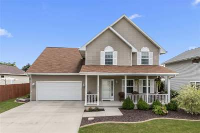 Neenah Single Family Home Active-No Offer: 2606 Grassy