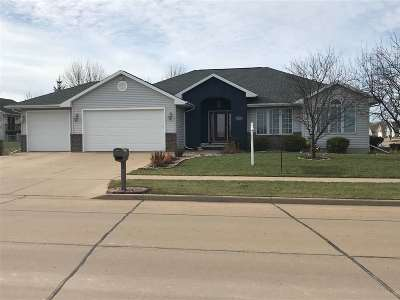Kaukauna Single Family Home Active-No Offer: 2901 Haas