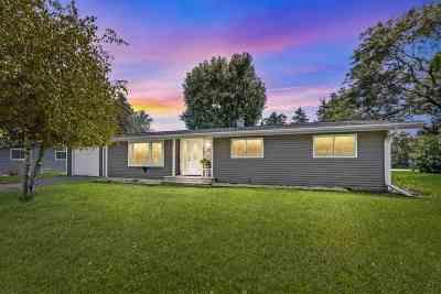 Pulaski WI Single Family Home Active-No Offer: $159,900