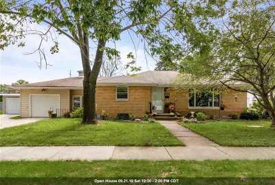 Kaukauna Single Family Home Active-No Offer: 601 W 9th