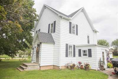 Greenville Single Family Home Active-No Offer: N1577 Cozy Creek