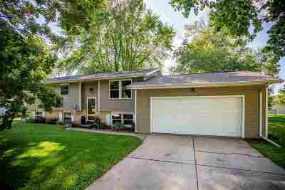 Winneconne Single Family Home Active-Offer No Bump: 410 S 3rd