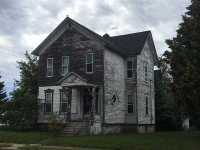 Marinette Single Family Home Active-Offer No Bump: 1039 Pierce