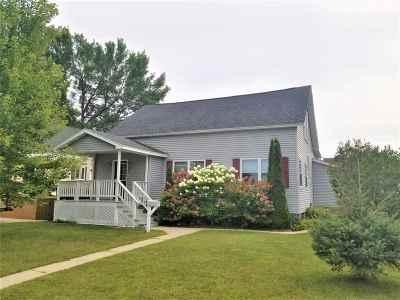 Marinette Single Family Home Active-Offer No Bump: 1217 Elizabeth