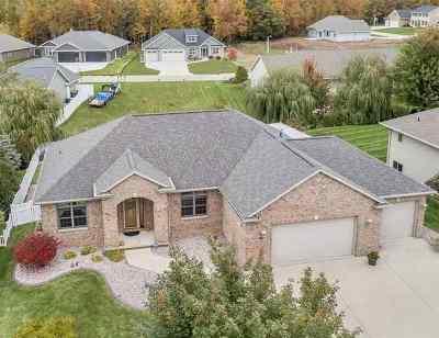 Green Bay Single Family Home Active-No Offer: 3531 Glen Abbey