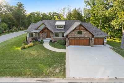 Green Bay Single Family Home Active-Offer No Bump: 618 Marble Rock