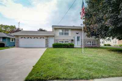 Menasha Single Family Home Active-Offer No Bump: 952 London