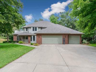 Green Bay Single Family Home Active-No Offer: 1482 Parkway