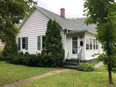 Marinette County Single Family Home Active-No Offer: 1206 Parnell