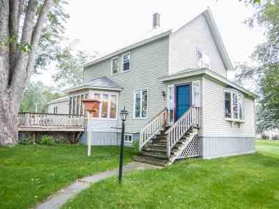 Oconto WI Single Family Home Active-No Offer: $159,900