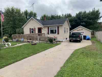 Shawano Single Family Home Active-No Offer: 1006 E Lieg