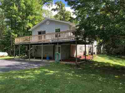Marinette County Single Family Home Active-No Offer: N6854 Wood Duck