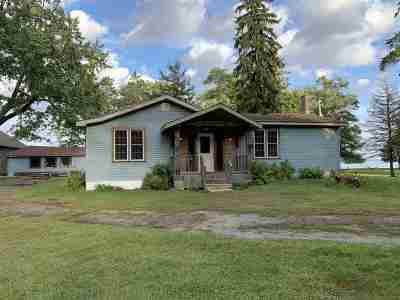 Oconto County Single Family Home Active-No Offer: 5206 Hwy N