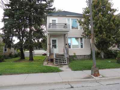 Marinette Multi Family Home Active-No Offer: 833 Pierce
