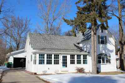 Waupaca Single Family Home Active-No Offer: 515 Demarest
