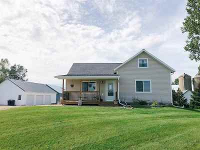 Pulaski Single Family Home Active-No Offer: N3565 Green Valley