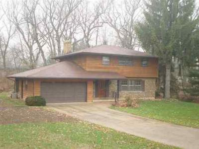 Fitchburg WI Single Family Home Sold: $259,900