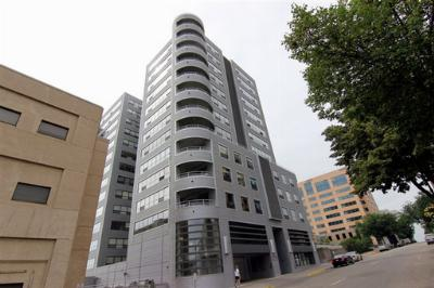 Condo/Townhouse Sold: 137 E Wilson St #1013