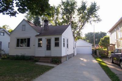 Madison WI Single Family Home For Sale: $142,900