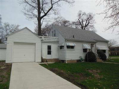 Madison WI Single Family Home For Sale: $124,900