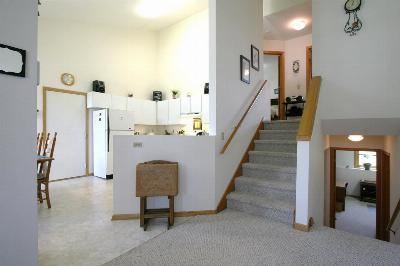 Condo/Townhouse Accepted Offer in 2 Days: 208 A W Clover Ln
