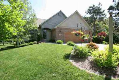 Single Family Home : 1315 Lancer Ct