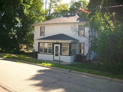 Stoughton Multi Family Home For Sale: 1009 S 4th St