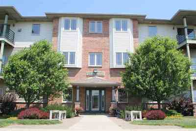 Condo/Townhouse Sold: 102 Prairie Heights Dr #402