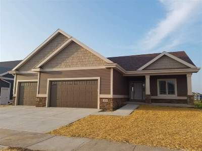 Dane County Single Family Home For Sale: L95 Mourning Dove Ct