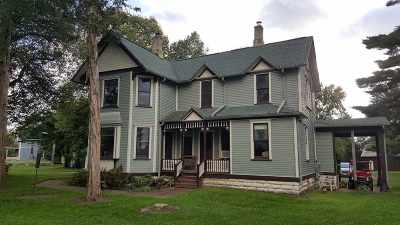 Wisconsin Dells Single Family Home For Sale: 3884 S Gillette Dr