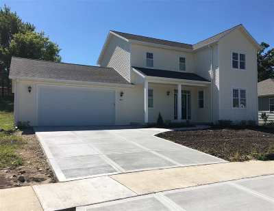 Columbus Single Family Home For Sale: 450 Highview Ln
