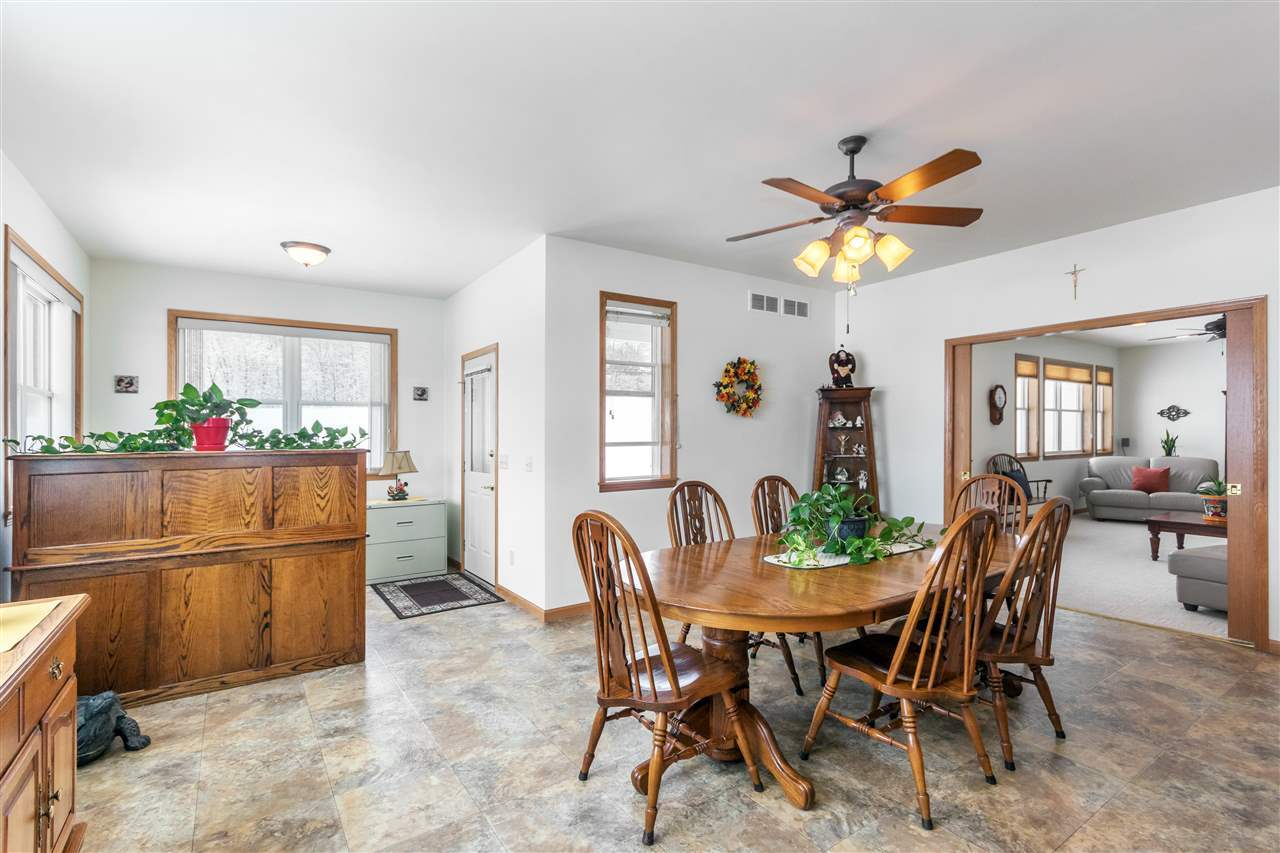 Listing: E8932 Oak Hill Rd, Wisconsin Dells, WI.| MLS# 1796378 ...