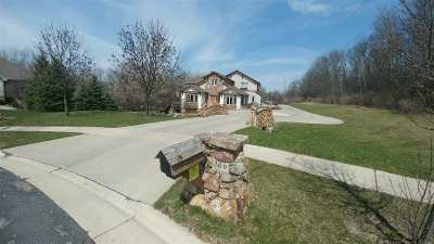 Cottage Grove Single Family Home For Sale: 209 Donkel Ct
