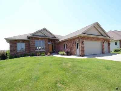 Prairie Du Sac Single Family Home For Sale: W14129 Crestview Dr